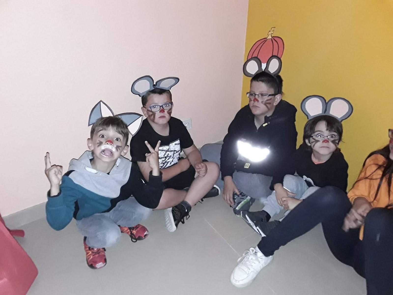 """Teatro en Salvatierra de Esca """"Ratoncitos en Apuros"""""""